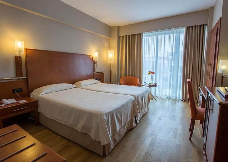 Hotel-Reina-Isabel-Las-Palmas-double-room-1