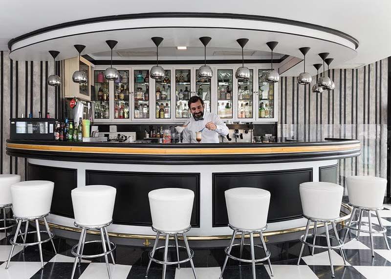 Hotel-Reina-Isabel-Las-Palmas-fiesta-bar