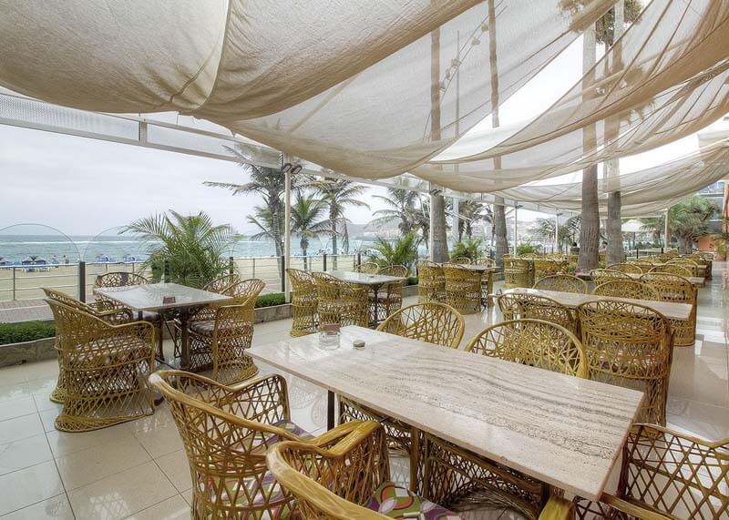 Hotel-Reina-Isabel-Las-Palmas-terraza-la-marina-3