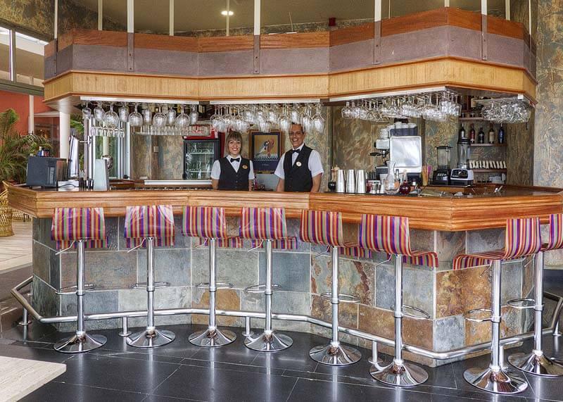Hotel-Reina-Isabel-Las-Palmas-terraza-la-marina-4