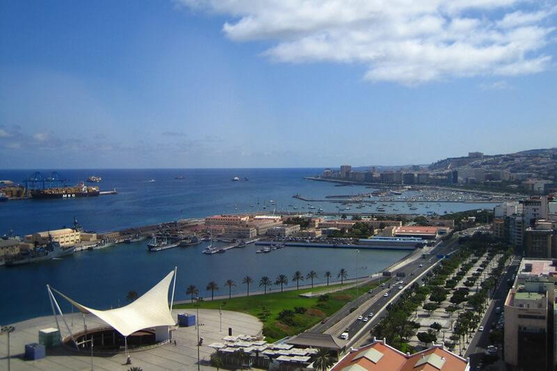 Hotel-Reina-Isabel-Las-palmas-muelle-ciudad-del-mar