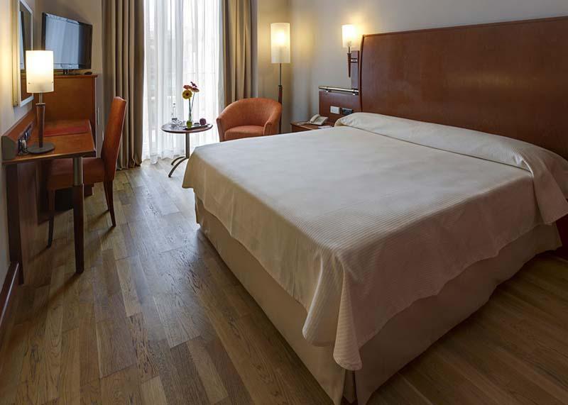 Hotel-Reina-Isabel-Las-Palmas-single-room-2